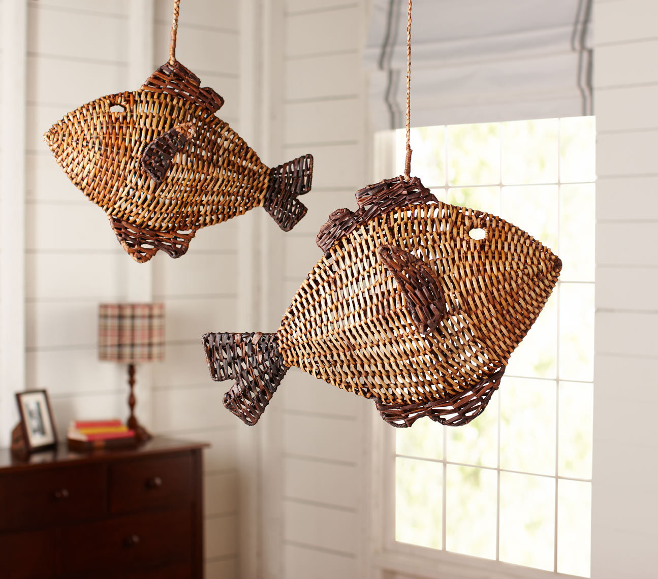 Woven_Fish_Hanging_Decor_037_R.jpg